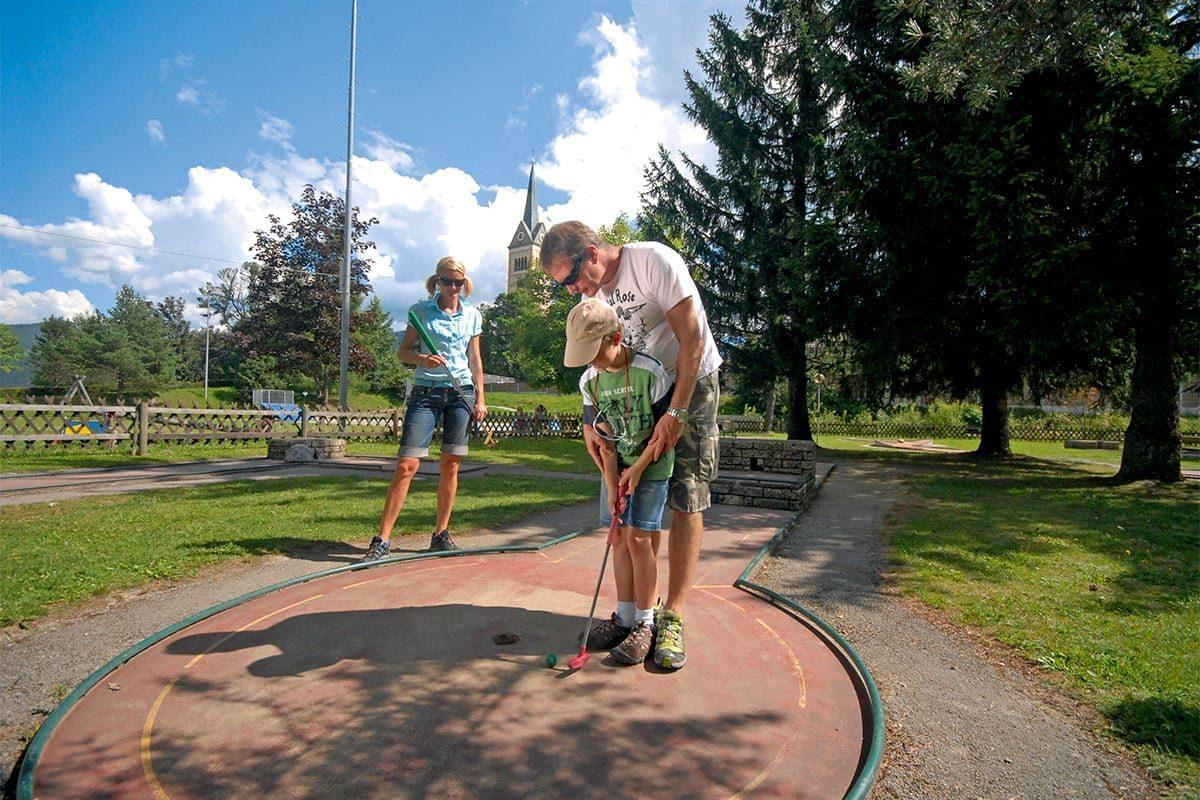 Minigolf spielen - Radstadt, Salzburger Land